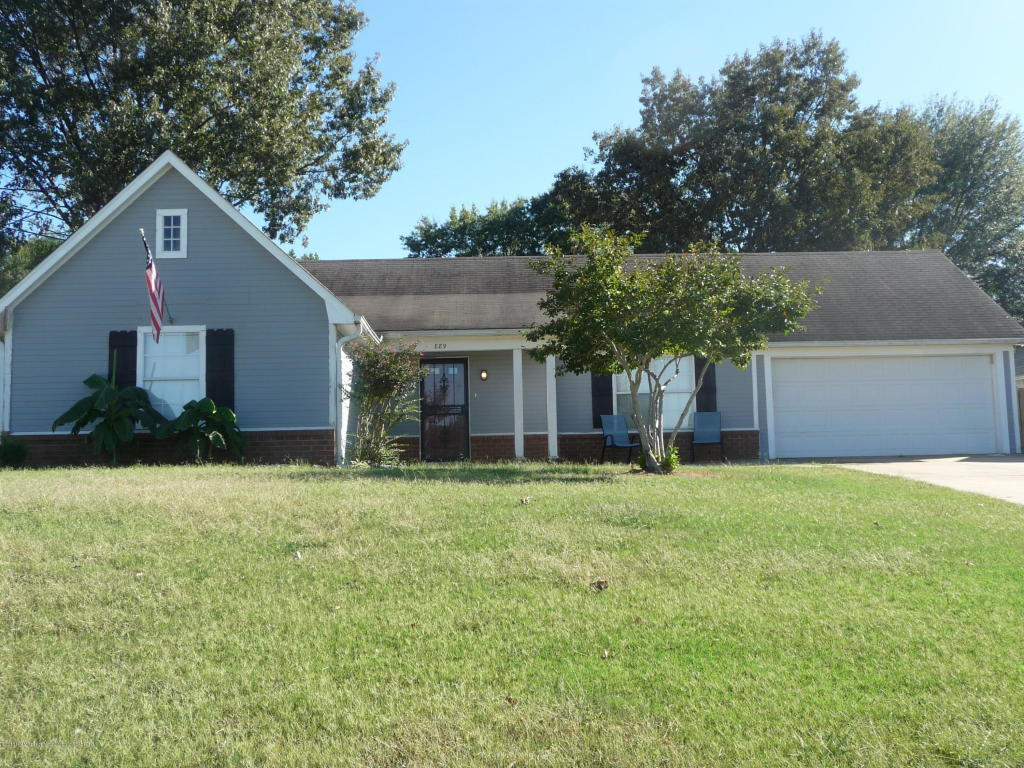Photo of 889 STOWEWOOD Place  Southaven  MS