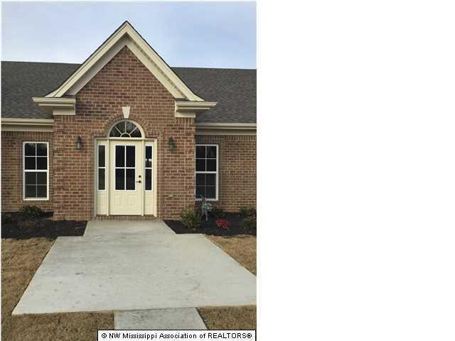 Photo of 3274 Wellbrook Lane  Southaven  MS