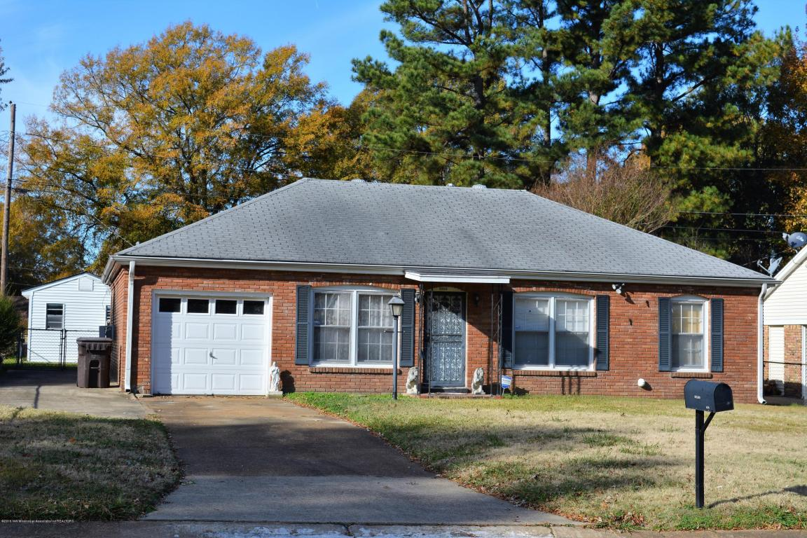 Photo of 8399 Booneville Drive  Southaven  MS