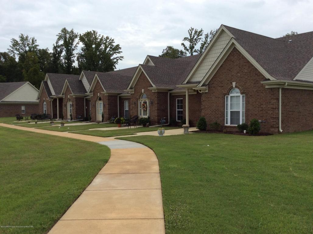 Photo of 3308 Wellbrook Lane  Southaven  MS
