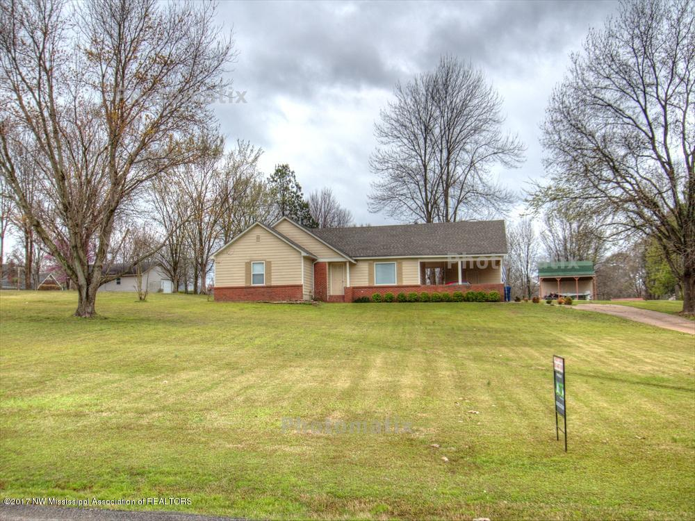 Photo of 5515 Ridgetop Drive  Horn Lake  MS