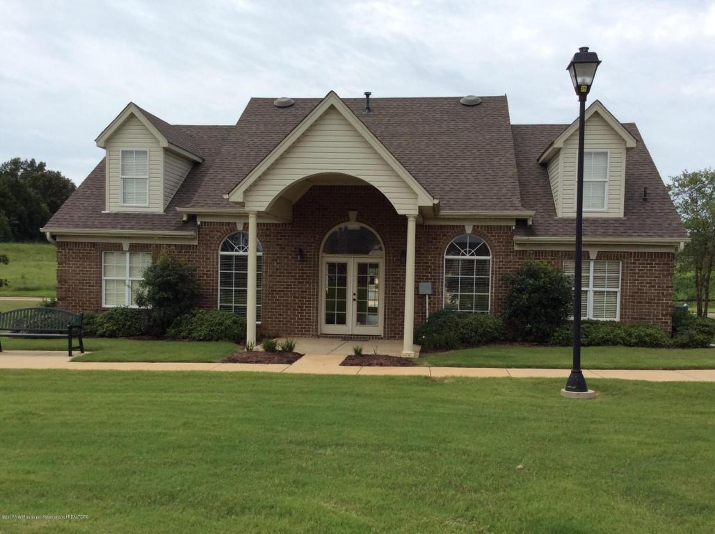 Photo of 3283 Jade Ln  Southaven  MS