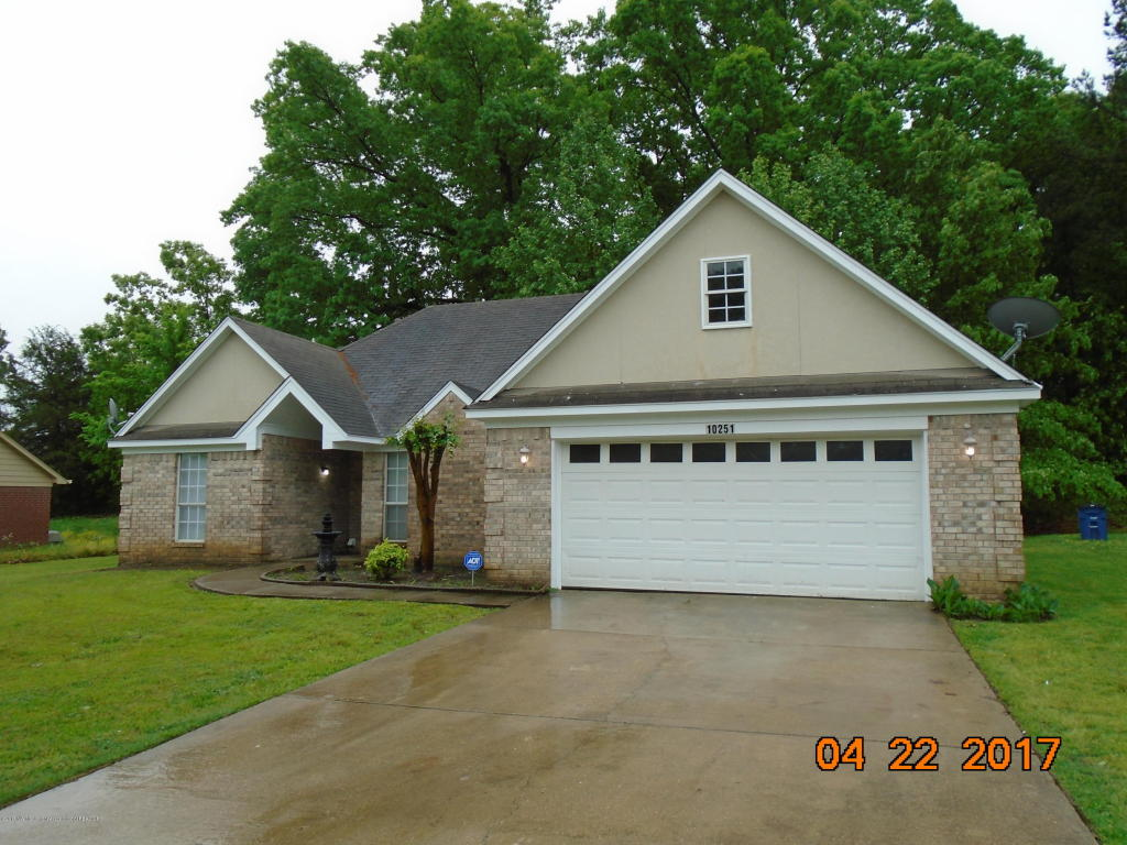Photo of 10251 Chateau Drive  Olive Branch  MS