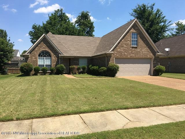 Photo of 10722 Wyckford Drive  Olive Branch  MS