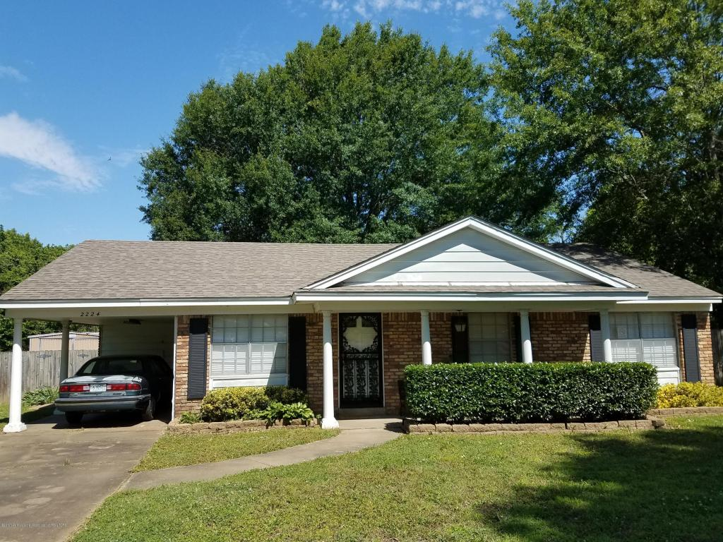 Photo of 2224 Cedar Point Cove  Southaven  MS