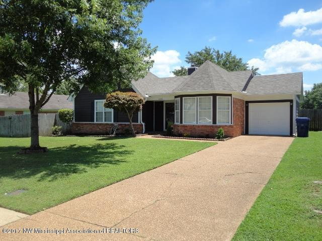 Photo of 2845 Waverly Drive  Horn Lake  MS