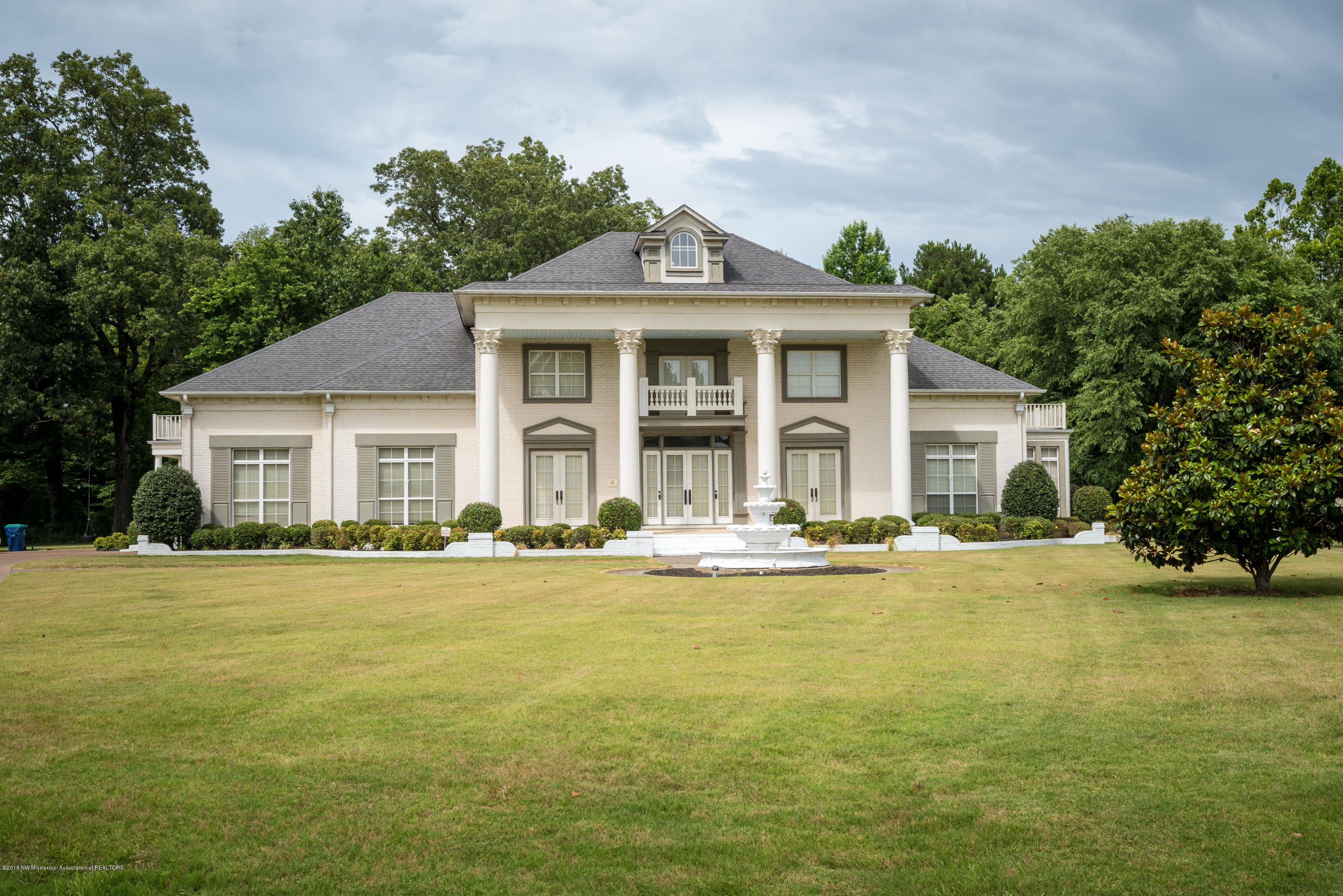 4208 Garden Road, one of homes for sale in Southaven