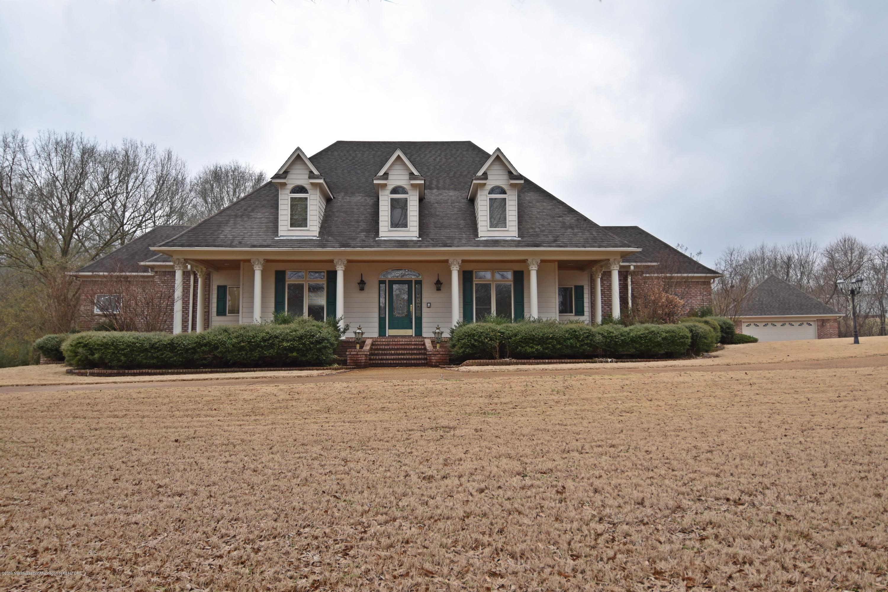 9081 Plantation Oaks Drive, Olive Branch in DeSoto County, MS 38654 Home for Sale