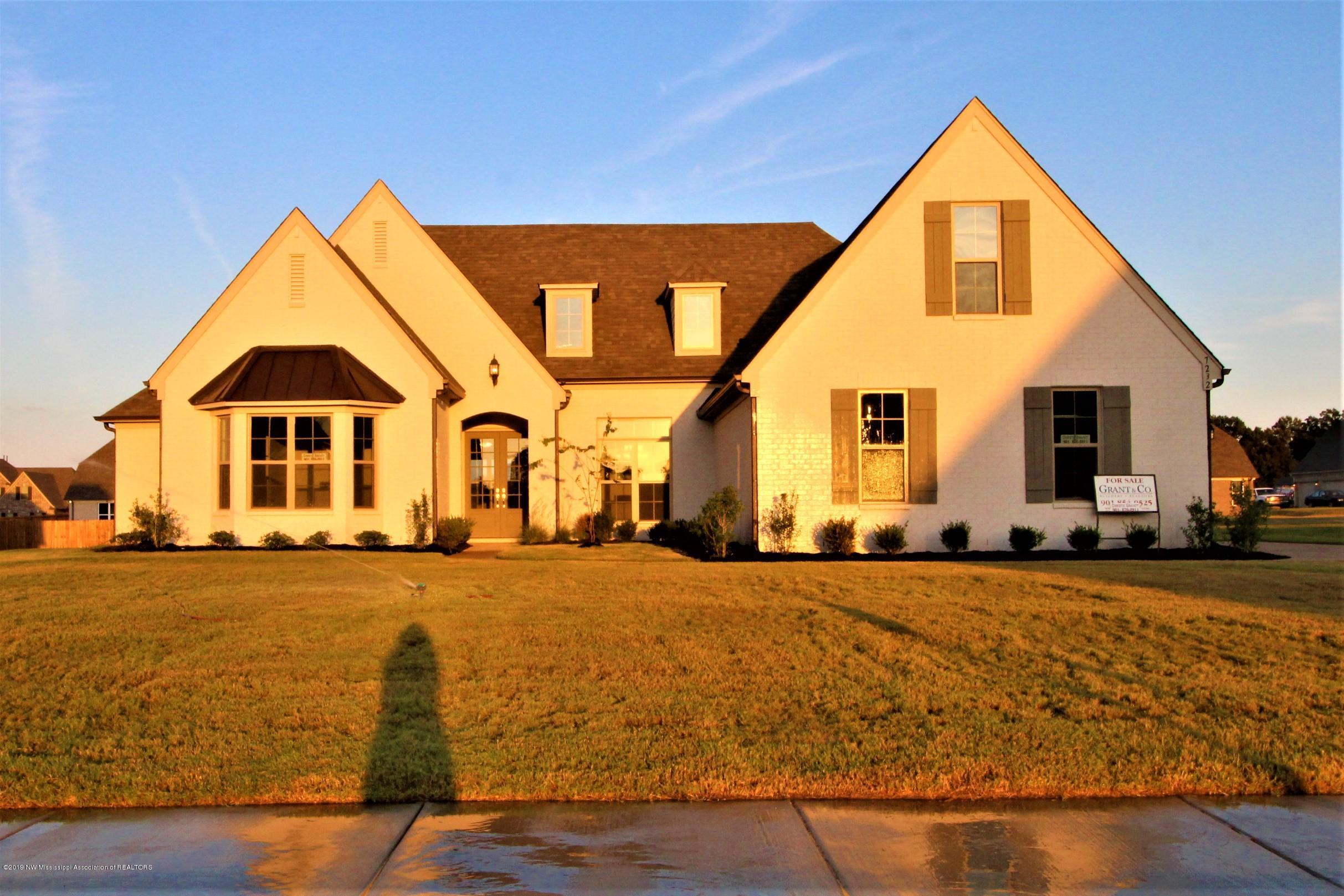 7232 Jackson Landing Drive, Olive Branch, Mississippi