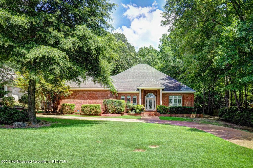 6150 Autumn Oaks Drive, Olive Branch, Mississippi