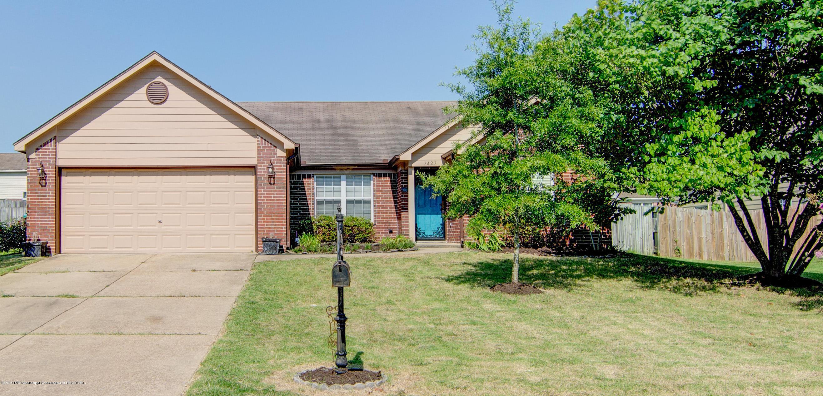 7427 Fox Creek Drive, Olive Branch, Mississippi