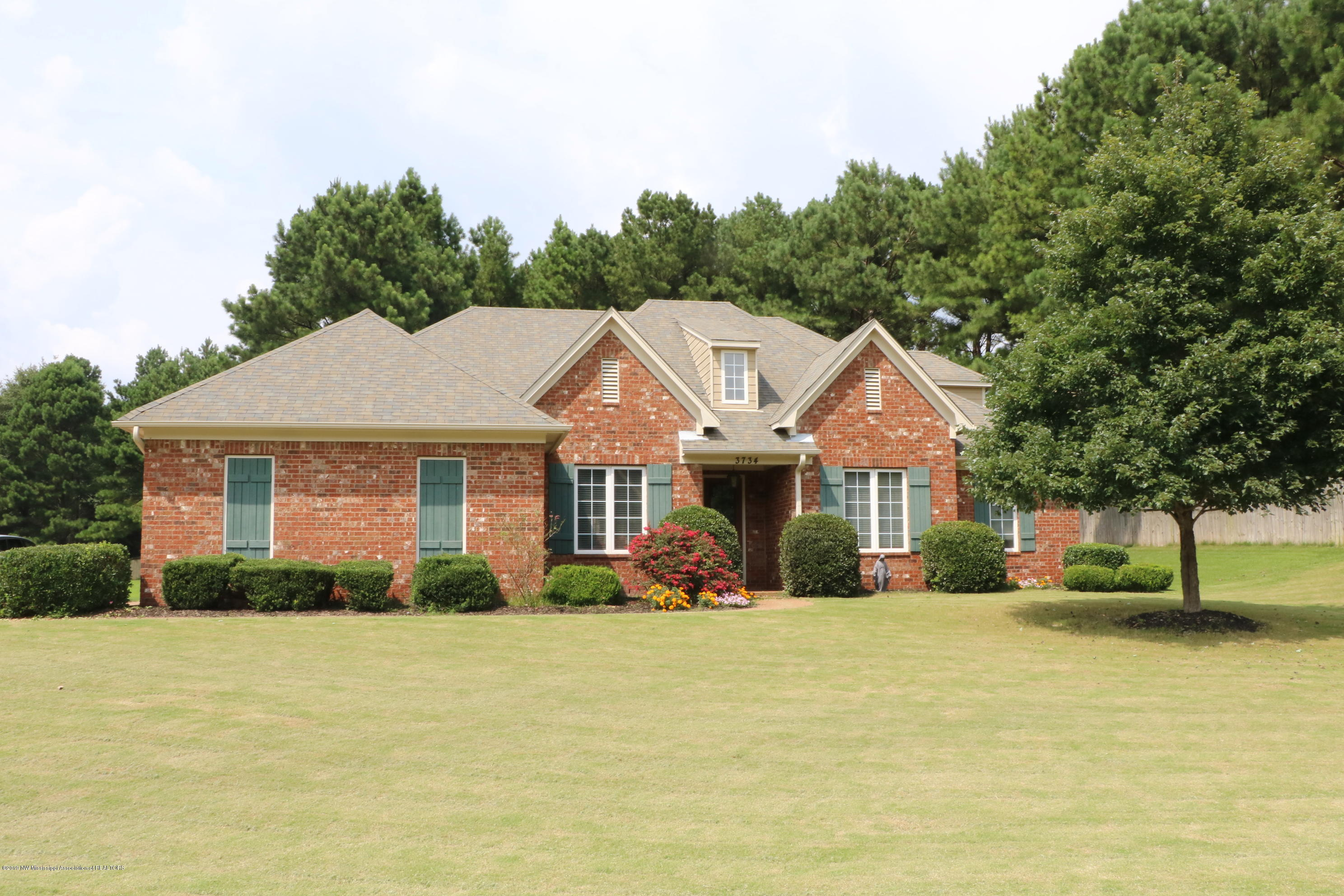 3734 Castle Pointe Drive, Southaven, Mississippi
