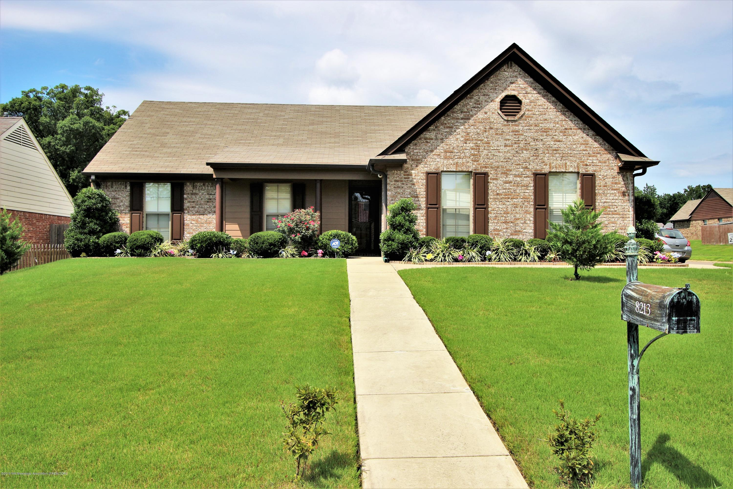 One of Southaven 3 Bedroom Homes for Sale at 8213 Park Pike Drive