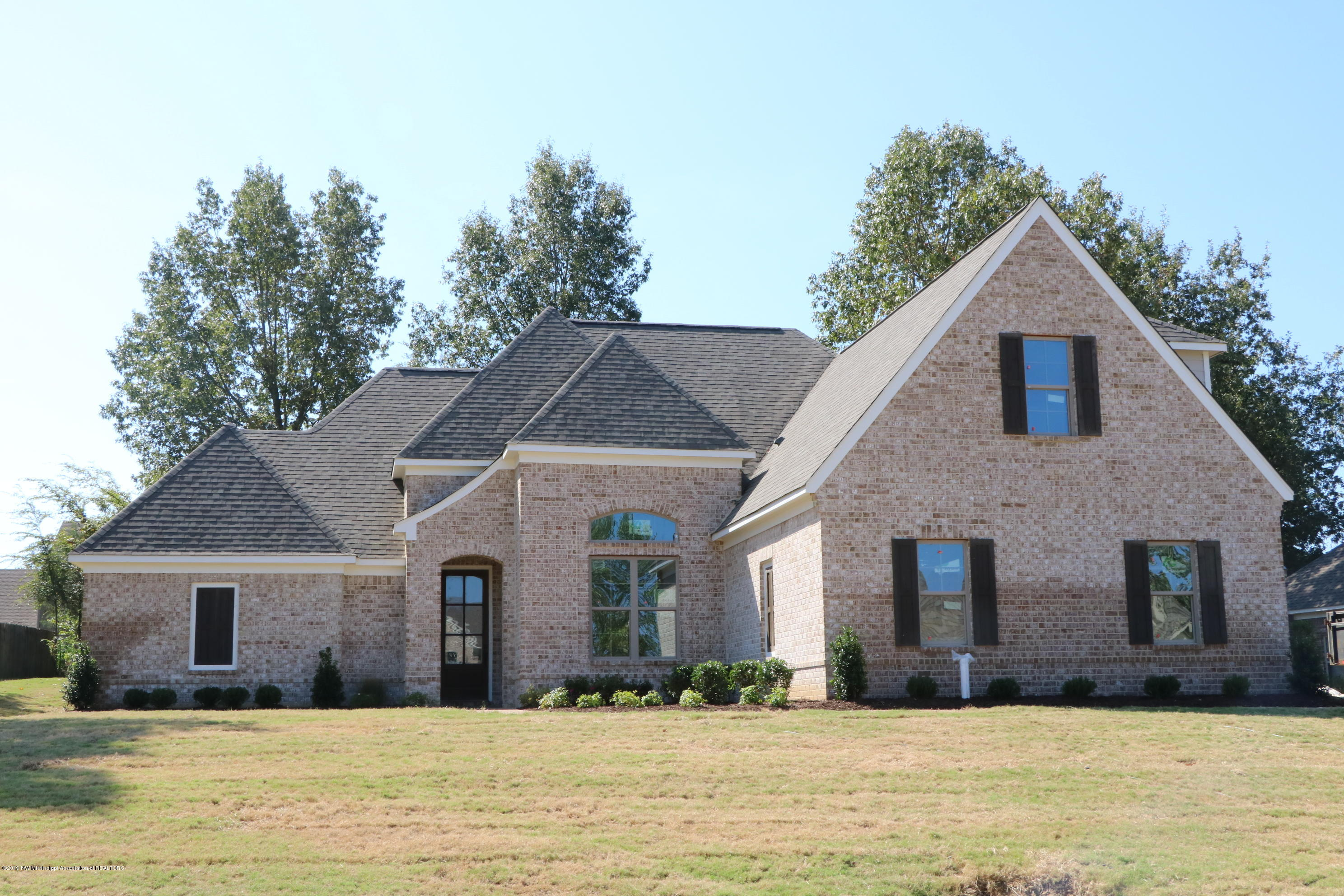 One of Southaven 5 Bedroom Homes for Sale at 1581 N Montys Circle