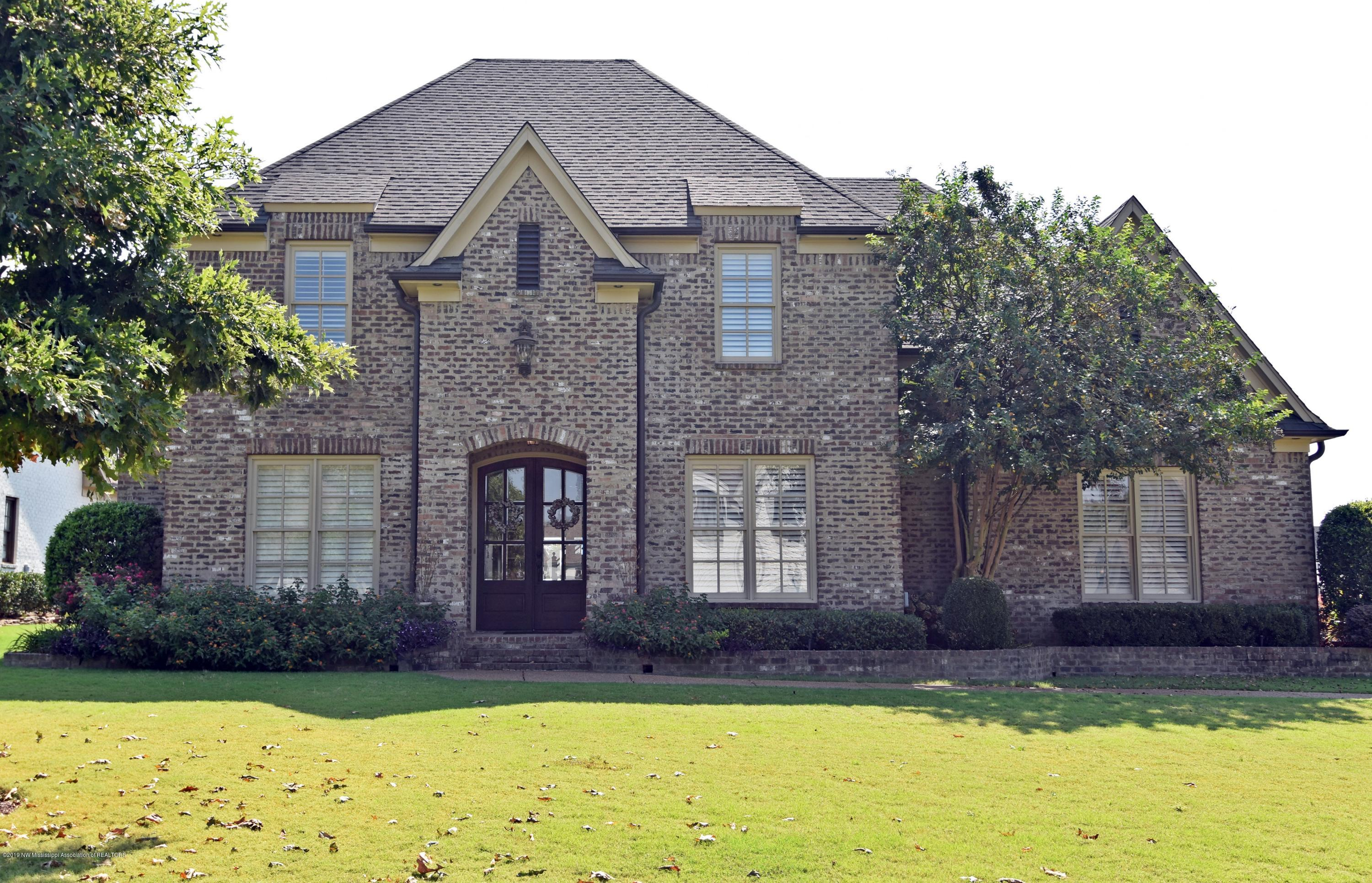 4696 W Robinson Loop, Olive Branch, Mississippi