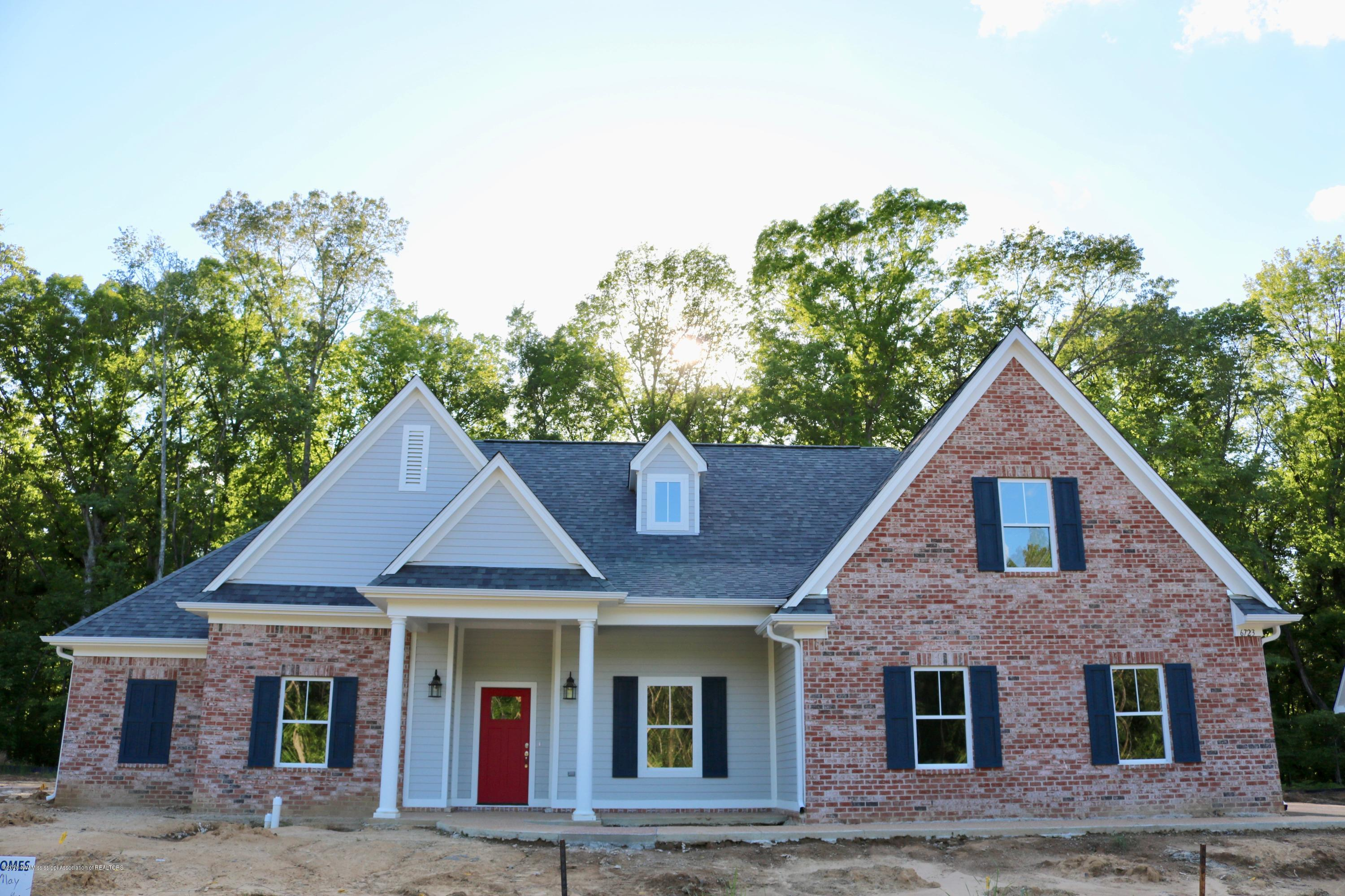 6723 Sunny Meadow Cove, Southaven, Mississippi