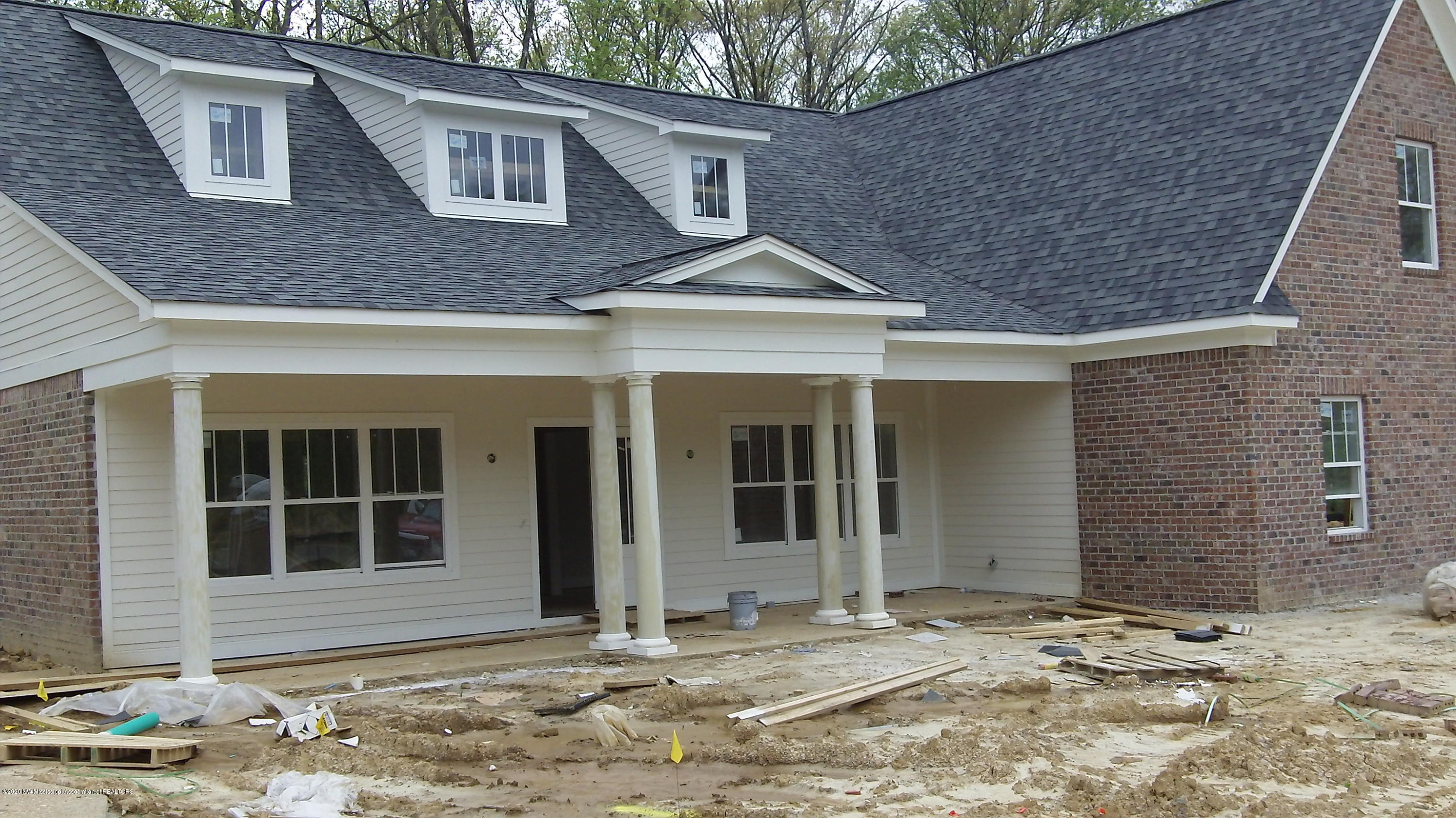 6735 Sunny Meadow Cove, Southaven, Mississippi