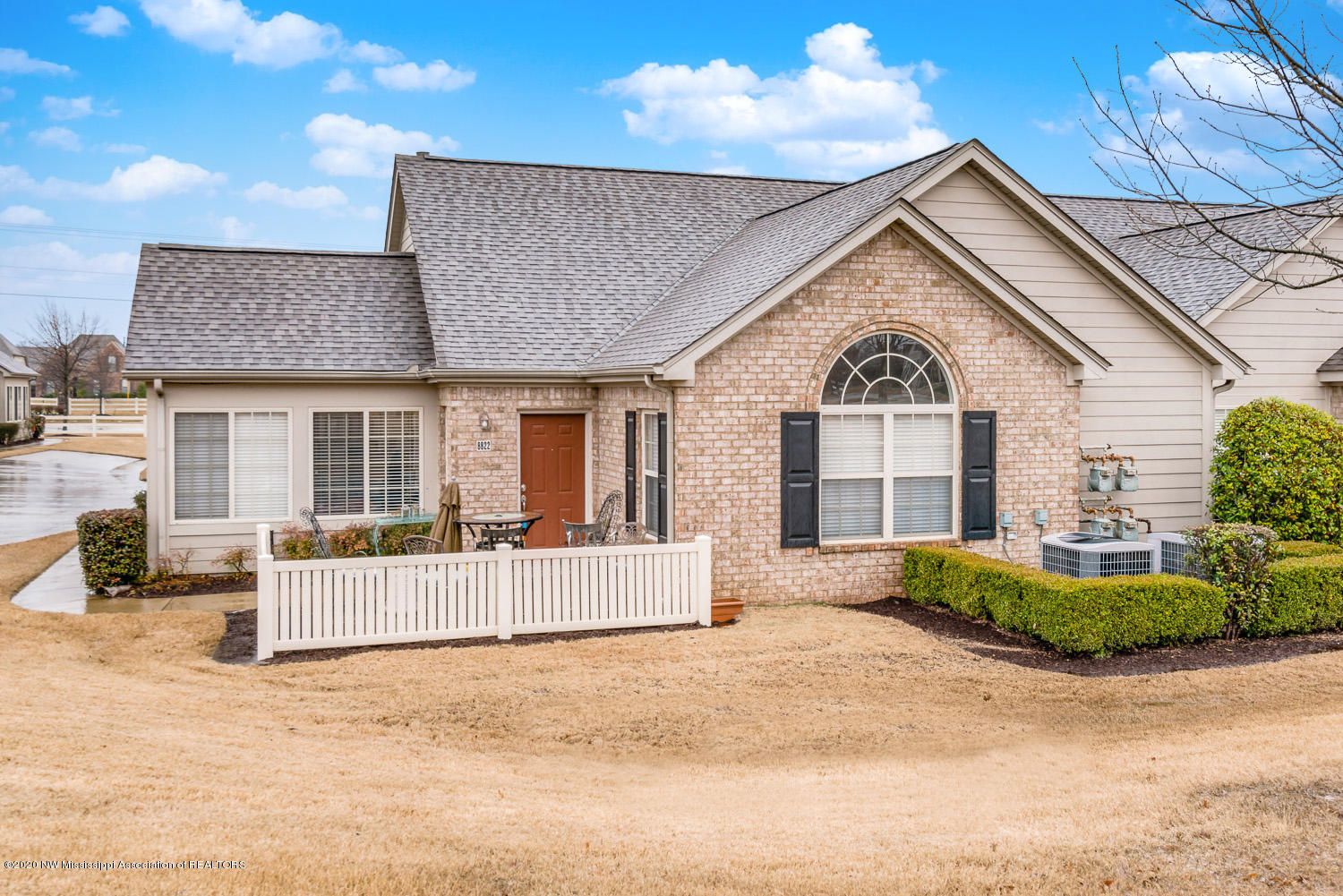 8822 Parkview Oaks Circle, Olive Branch, Mississippi