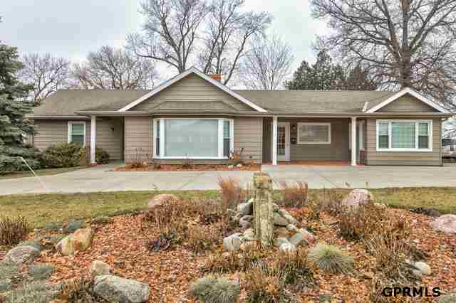 534 N Washington St, Papillion, NE 68046