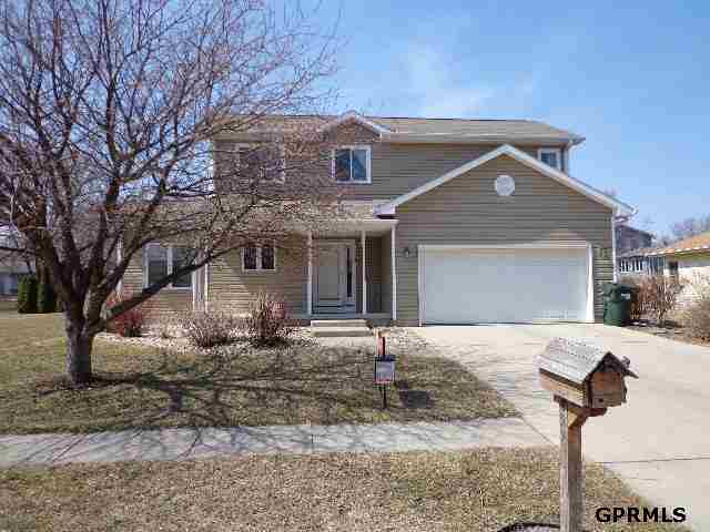 829 N 24th St, Blair, NE 68008