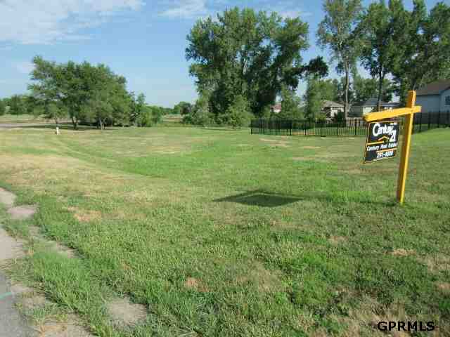 19416 Watersedge Cir, Plattsmouth, NE 68048