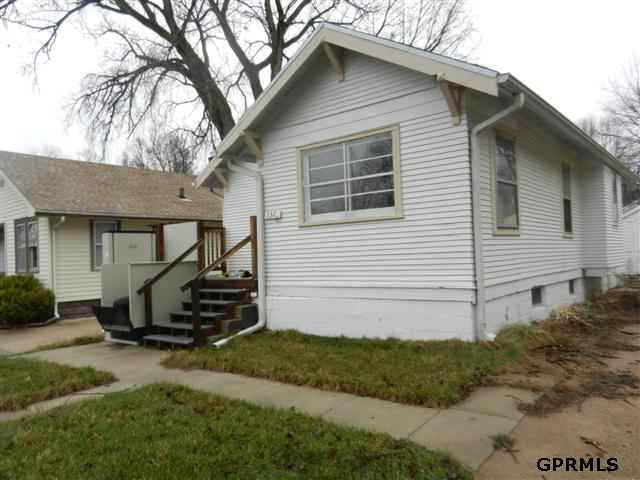 3329 N 55th St, Omaha, NE 68104