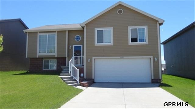 Rental Homes for Rent, ListingId:23846908, location: 16921 Redman Avenue Omaha 68116