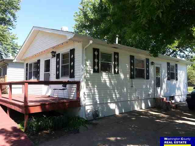 702 Madison St, Fort Calhoun, NE 68023
