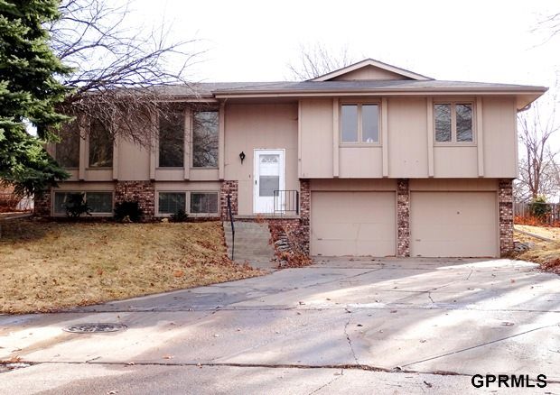 Rental Homes for Rent, ListingId:25798050, location: 611 S 151st Circle Omaha 68154