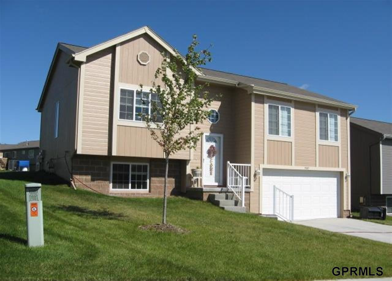 Rental Homes for Rent, ListingId:26290263, location: 5005 N 169th Street Omaha 68116