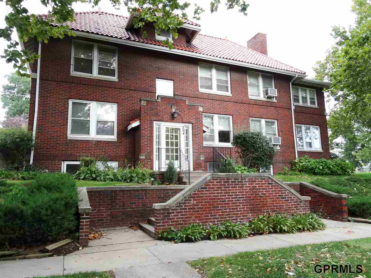 Rental Homes for Rent, ListingId:26509294, location: 204 S 48 Street Omaha 68132
