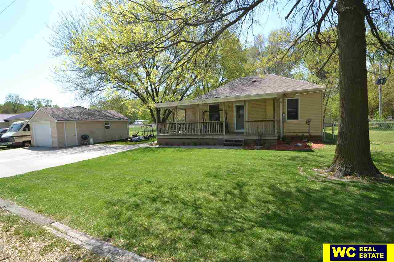 110 N 6th St, Arlington, NE 68002