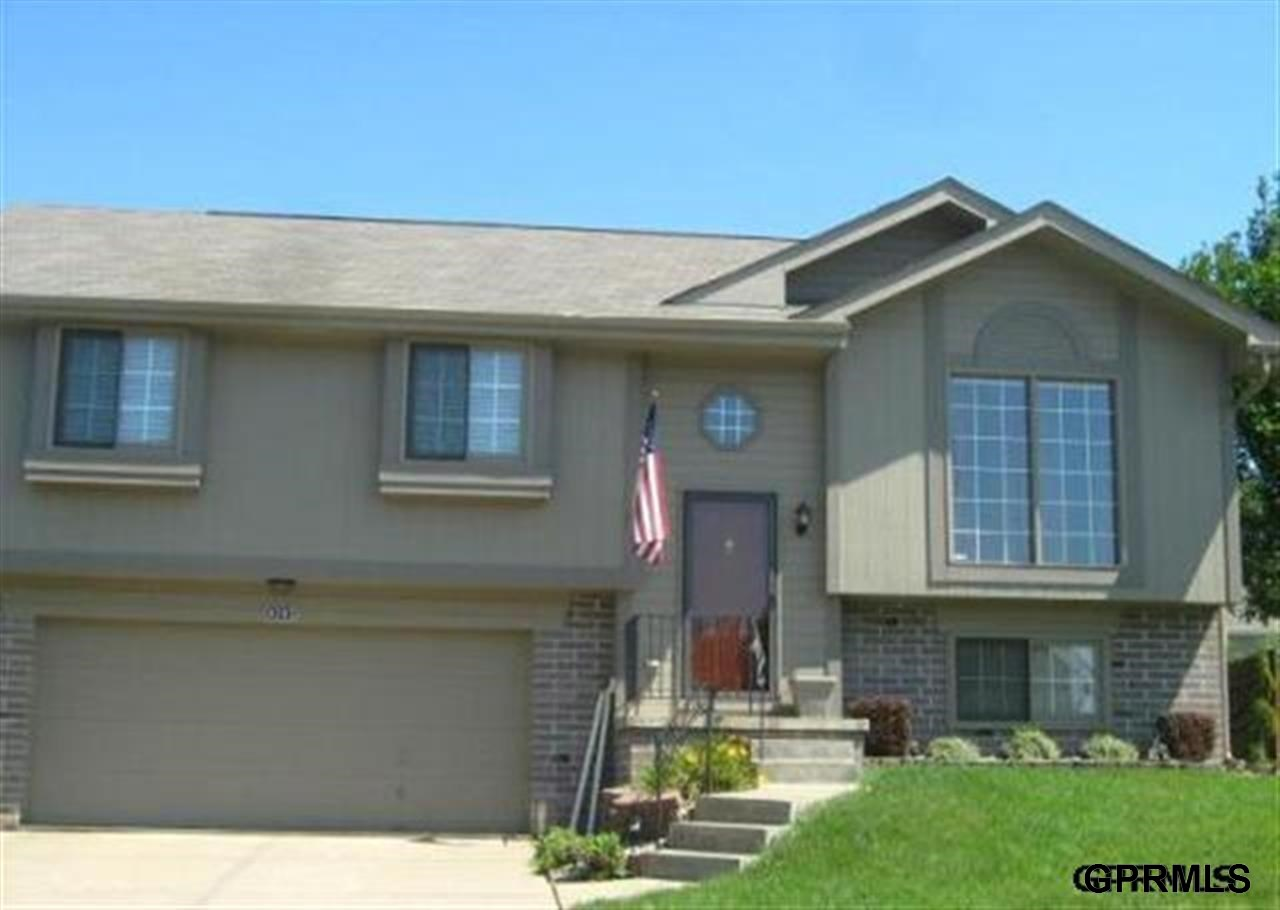 Rental Homes for Rent, ListingId:27015705, location: 4303 N 147th Street Omaha 68116