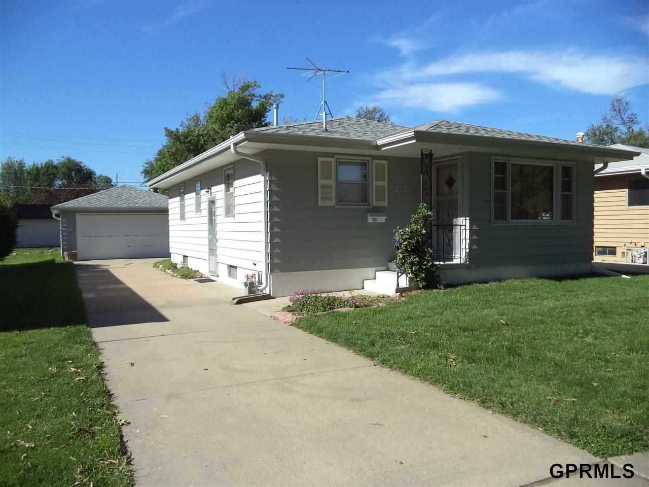 Rental Homes for Rent, ListingId:28607804, location: 2123 Avenue H Council Bluffs 51501