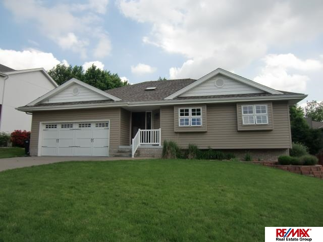 Rental Homes for Rent, ListingId:28953819, location: 215 Oakwood Drive Papillion 68133