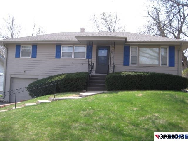 Rental Homes for Rent, ListingId:29037001, location: 8213 Castelar St Omaha 68124
