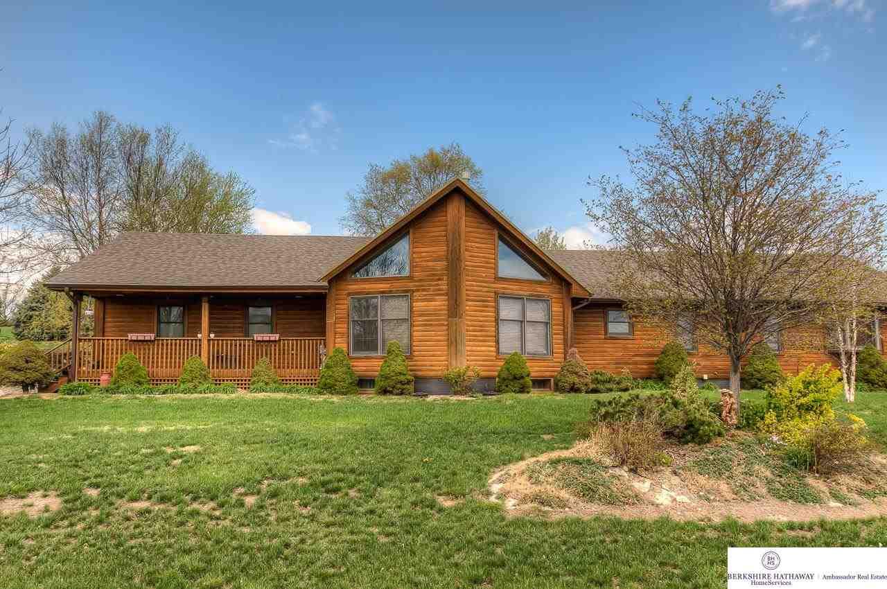 1612 Clark St, Fort Calhoun, NE 68023