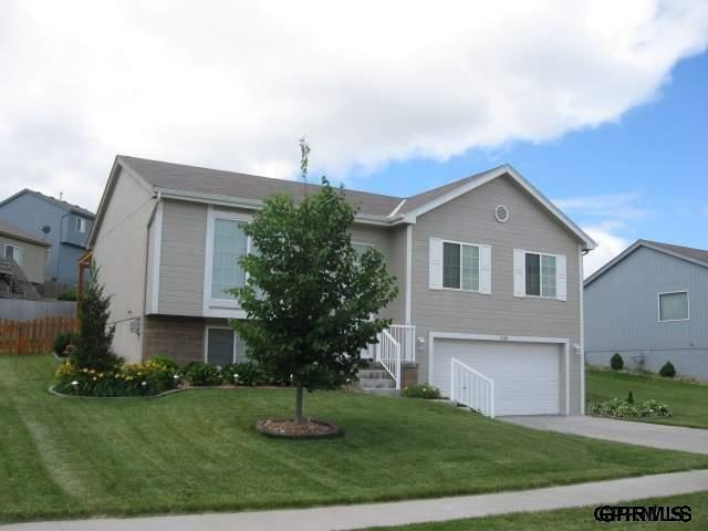 Rental Homes for Rent, ListingId:29374530, location: 6120 N 146th Street Omaha 68116