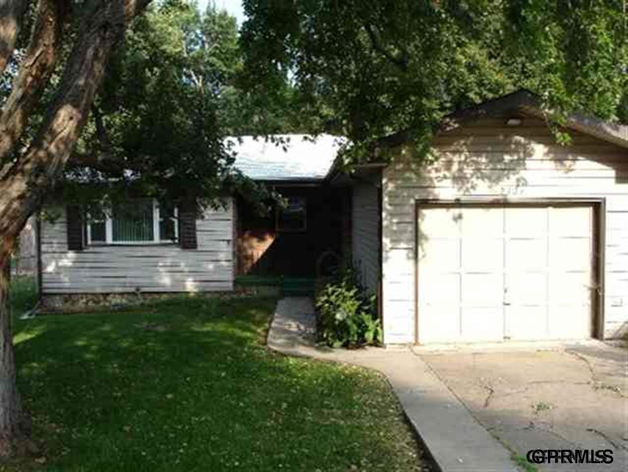 Rental Homes for Rent, ListingId:29401353, location: 2303 N 70th Ave Omaha 68104