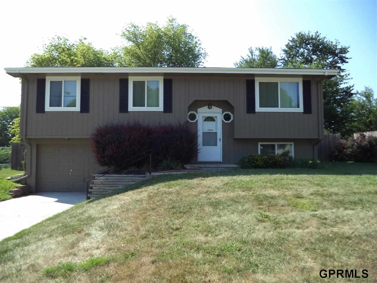Rental Homes for Rent, ListingId:29619157, location: 3808 Ramblewood Drive Elkhorn 68022