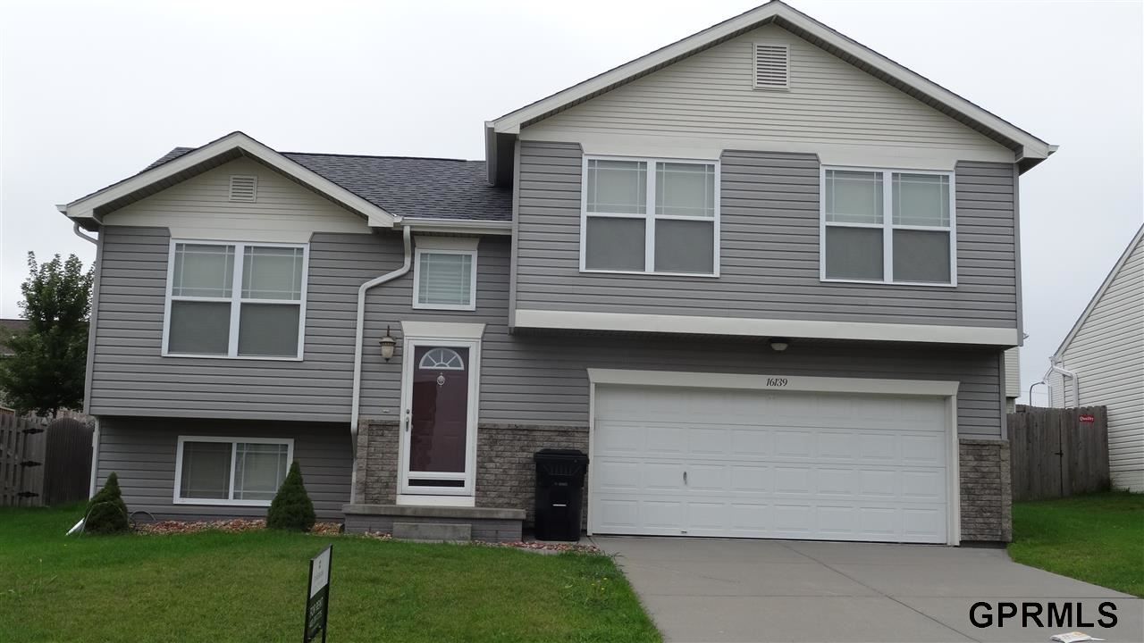 Rental Homes for Rent, ListingId:29708713, location: 16139 Cherrywood Street Omaha 68136