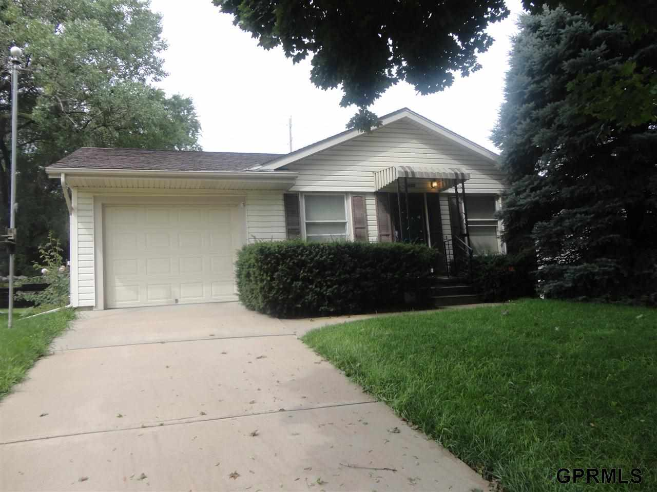 Rental Homes for Rent, ListingId:29708704, location: 2608 S 36 Street Omaha 68105
