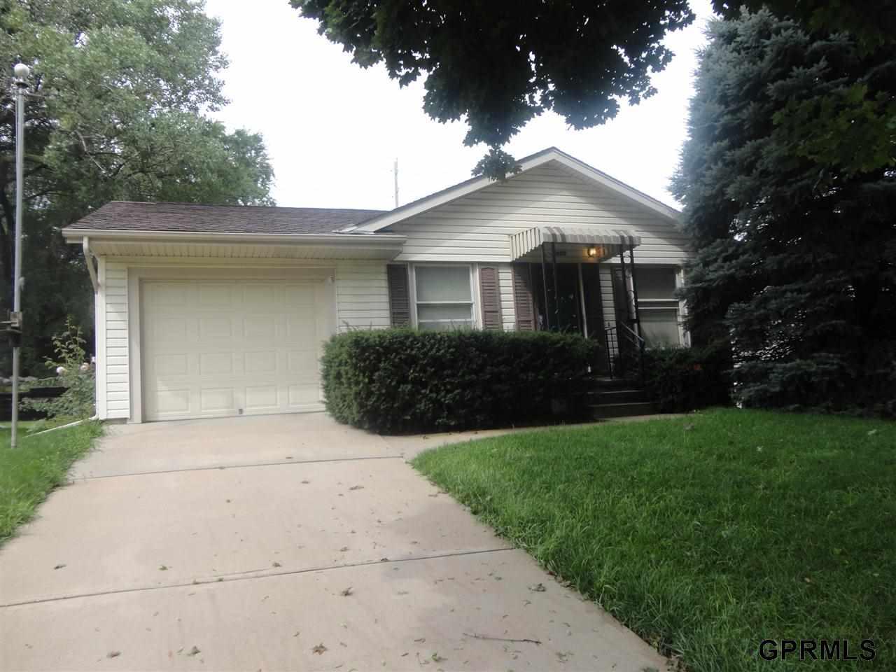 Rental Homes for Rent, ListingId:29708704, location: 2608 S 36 Street Omaha 68105