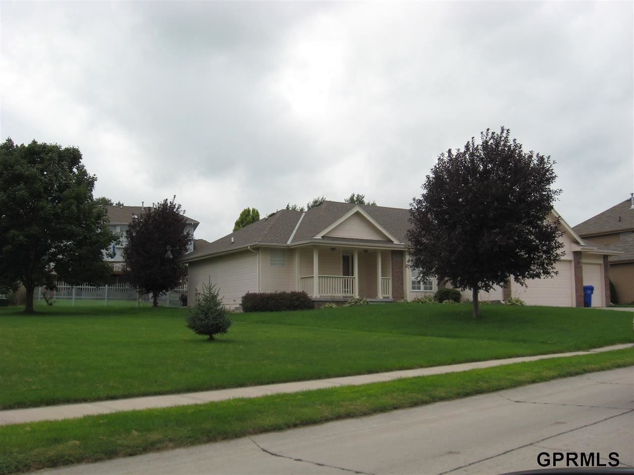 Rental Homes for Rent, ListingId:29733095, location: 2009 Ridgewood Dr Papillion 68133