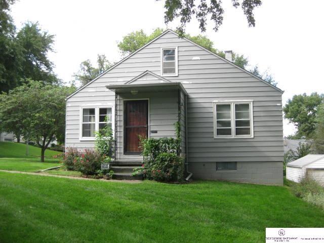 Rental Homes for Rent, ListingId:29916693, location: 6148 Pinkney St Omaha 68104