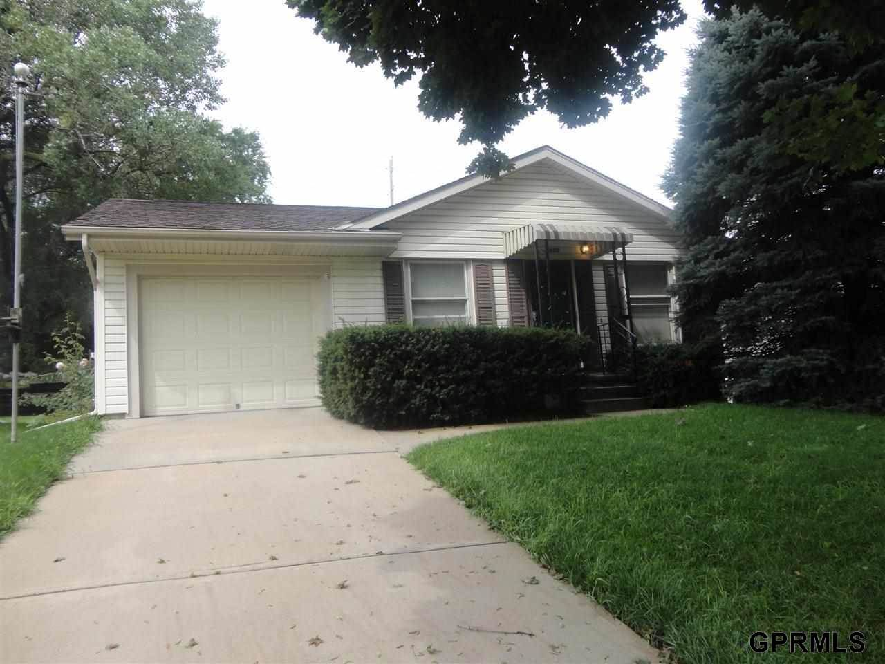 Rental Homes for Rent, ListingId:29977518, location: 2608 S 36 Street Omaha 68105
