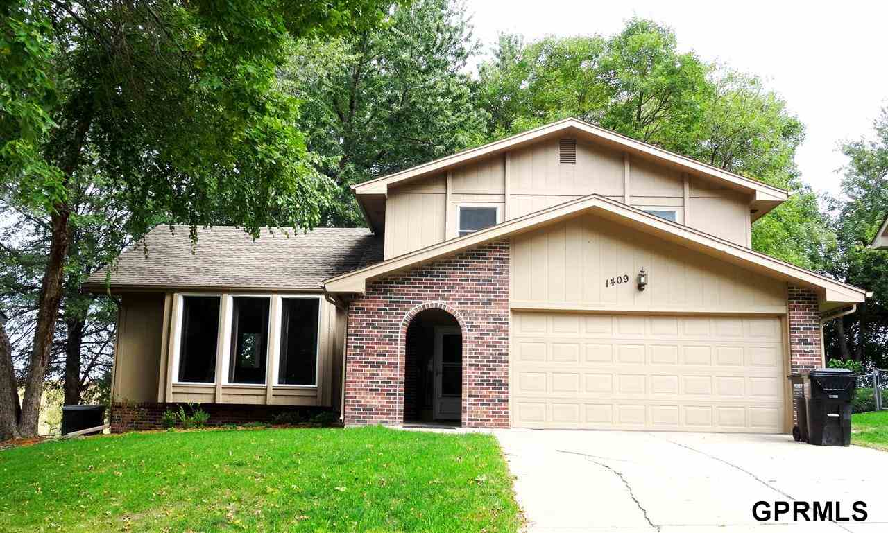 Rental Homes for Rent, ListingId:29977519, location: 1409 Beechwood Avenue Papillion 68133