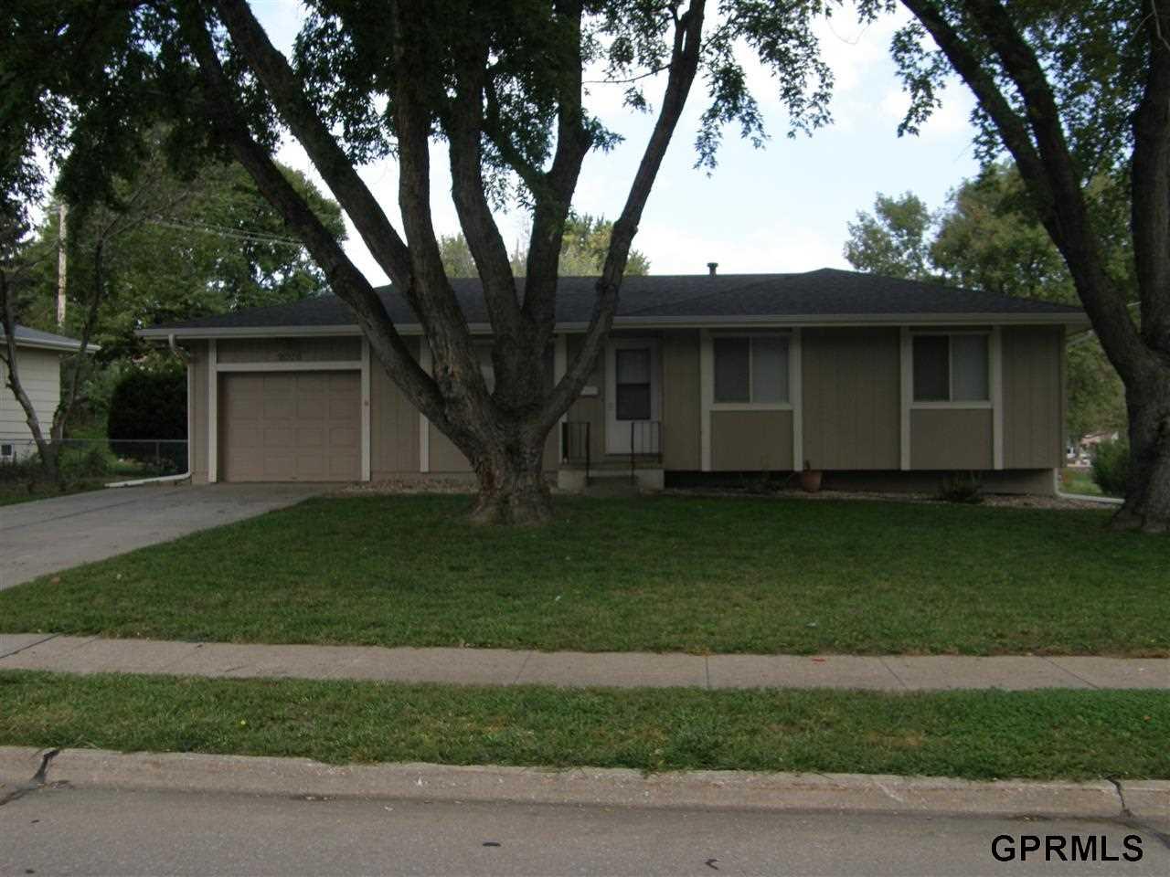 Rental Homes for Rent, ListingId:30033337, location: 9006 Parkview Boulevard La Vista 68128