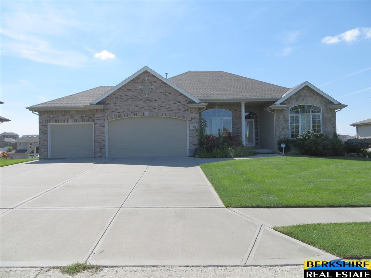 Real Estate for Sale, ListingId: 30072135, Papillion,NE68046