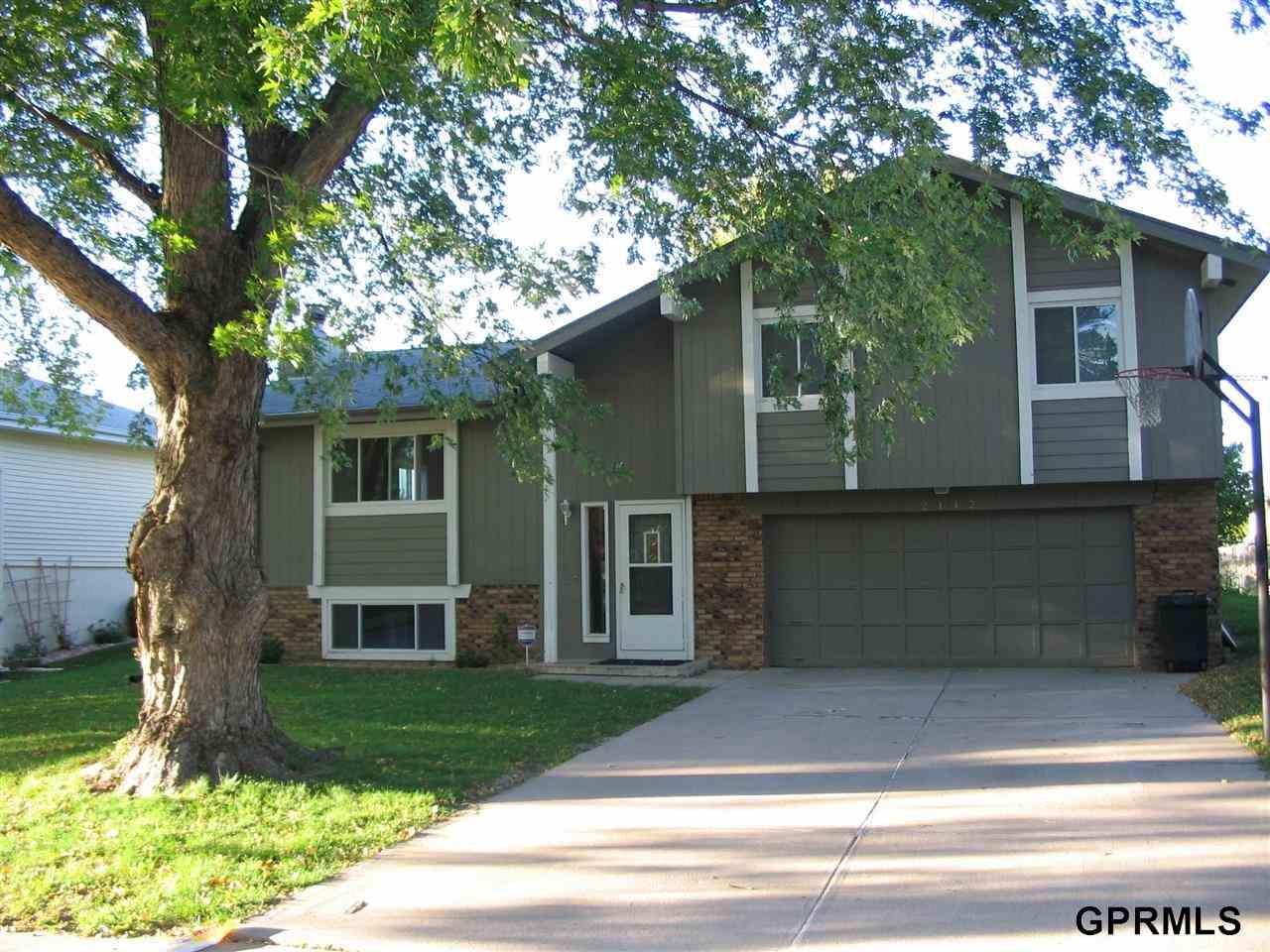 Rental Homes for Rent, ListingId:30223020, location: 2112 Nottingham Bellevue 68123